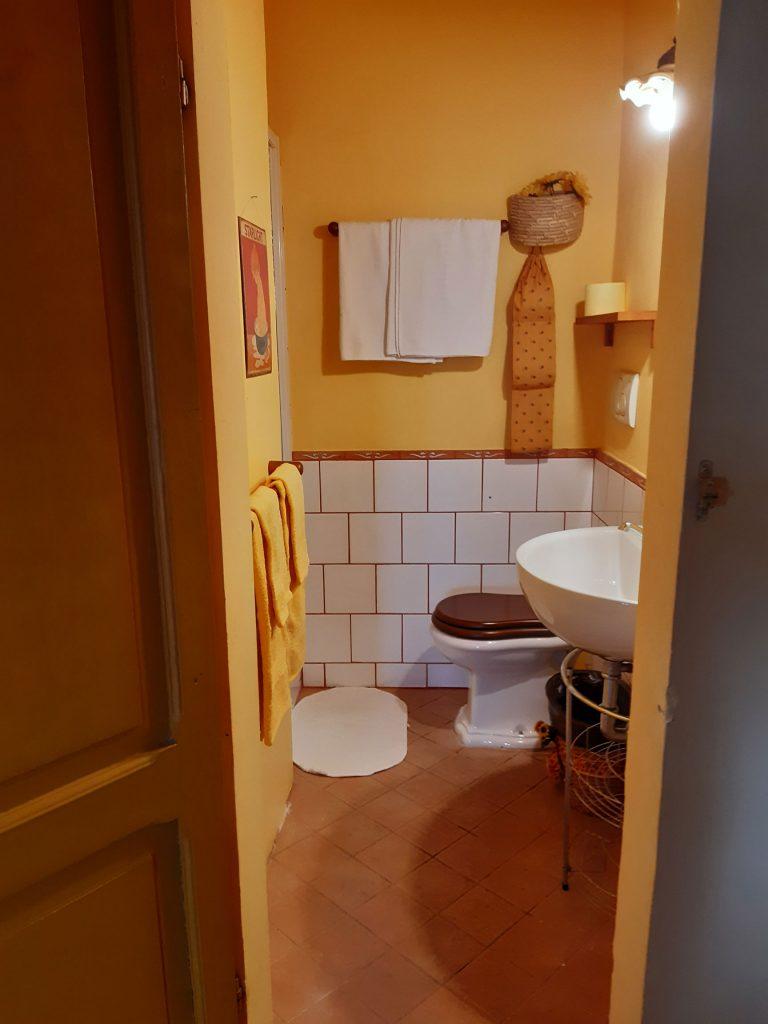 Bagno-camera dei girasoli BB Ape Regina